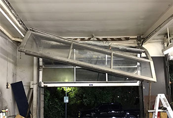 Garage Door Off Track | Tri-City | Vista, CA